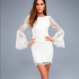 NWT Lulu's White Lace Bell Sleeve Dress